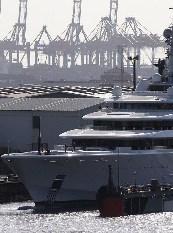 Roman Abramovich's Mega Yacht - Eclipse