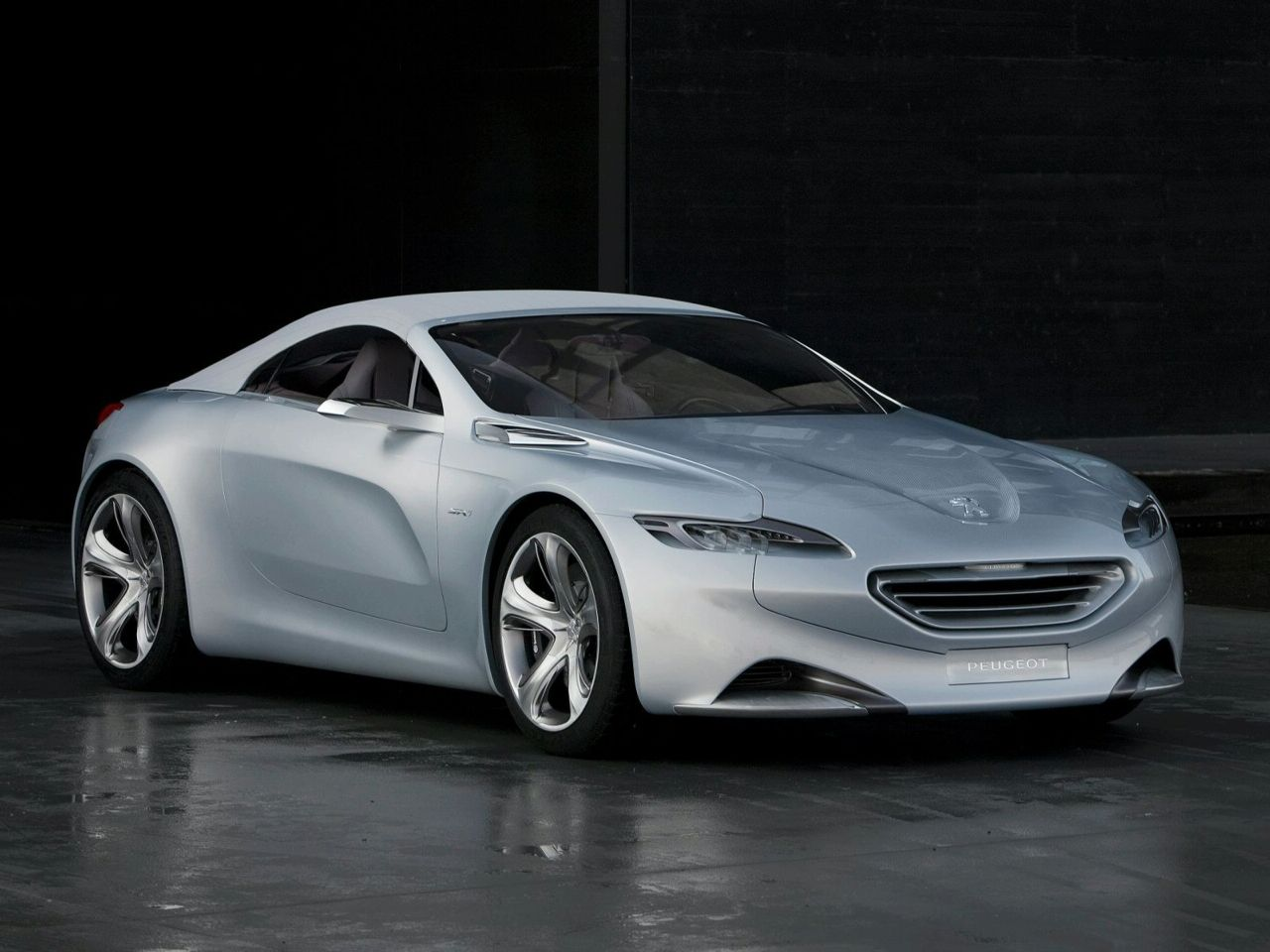 The 2010 Peugeot SR1 Concept Car