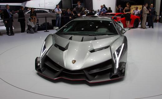 The Veneno unveiled - Lamborghini Veneno