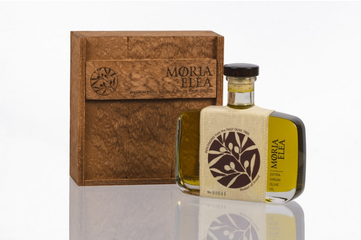 The bottle and the box - Moria Elea Olive Oil Packaging