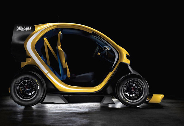 From the side - Twizy Sport F1