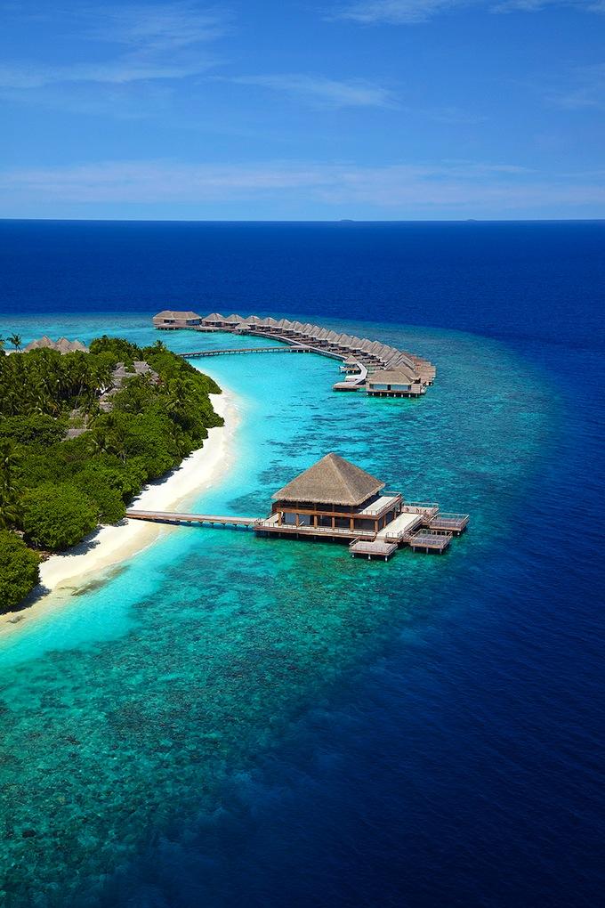 Dusit Thani Maldives... from afar